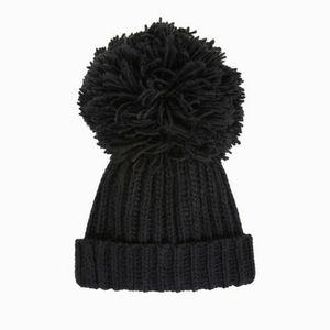 BCBG MAXAZRIA Chunky Knit Beanie OS